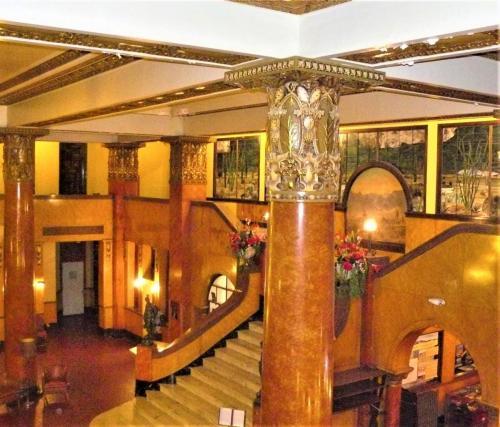 Gadsden Hotel - Douglas, AZ beverly