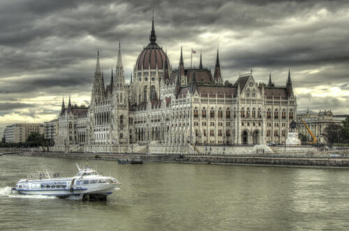 SKirk-Hungarian Parlaiment,