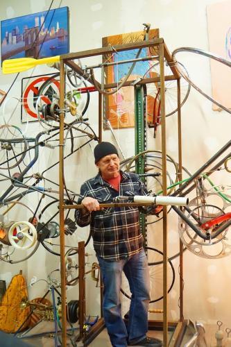 Henley  Engineer Artist