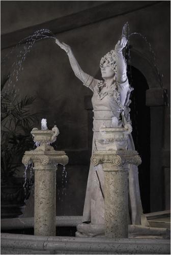 Renaissance Wilder Living Statue